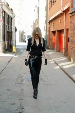 mistress-scarlet-leather-trousers-walking-in-street