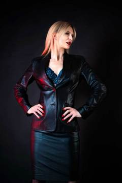 mistress-scarlet-posed-in-leather-jacket