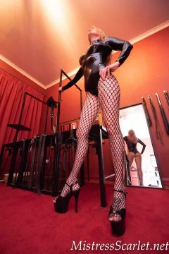 Mistress-Scarlet-long-les-redroom