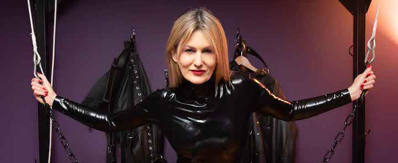 Mistress Scarlet In Latex